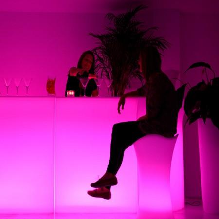 Sgabello da bar illuminato a LED multicolore