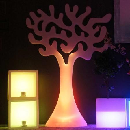 Mehrfarbiger LED-Lichtbaum