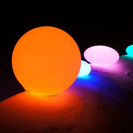 Boule Lumineuse à LED Multicolore - 20 cm