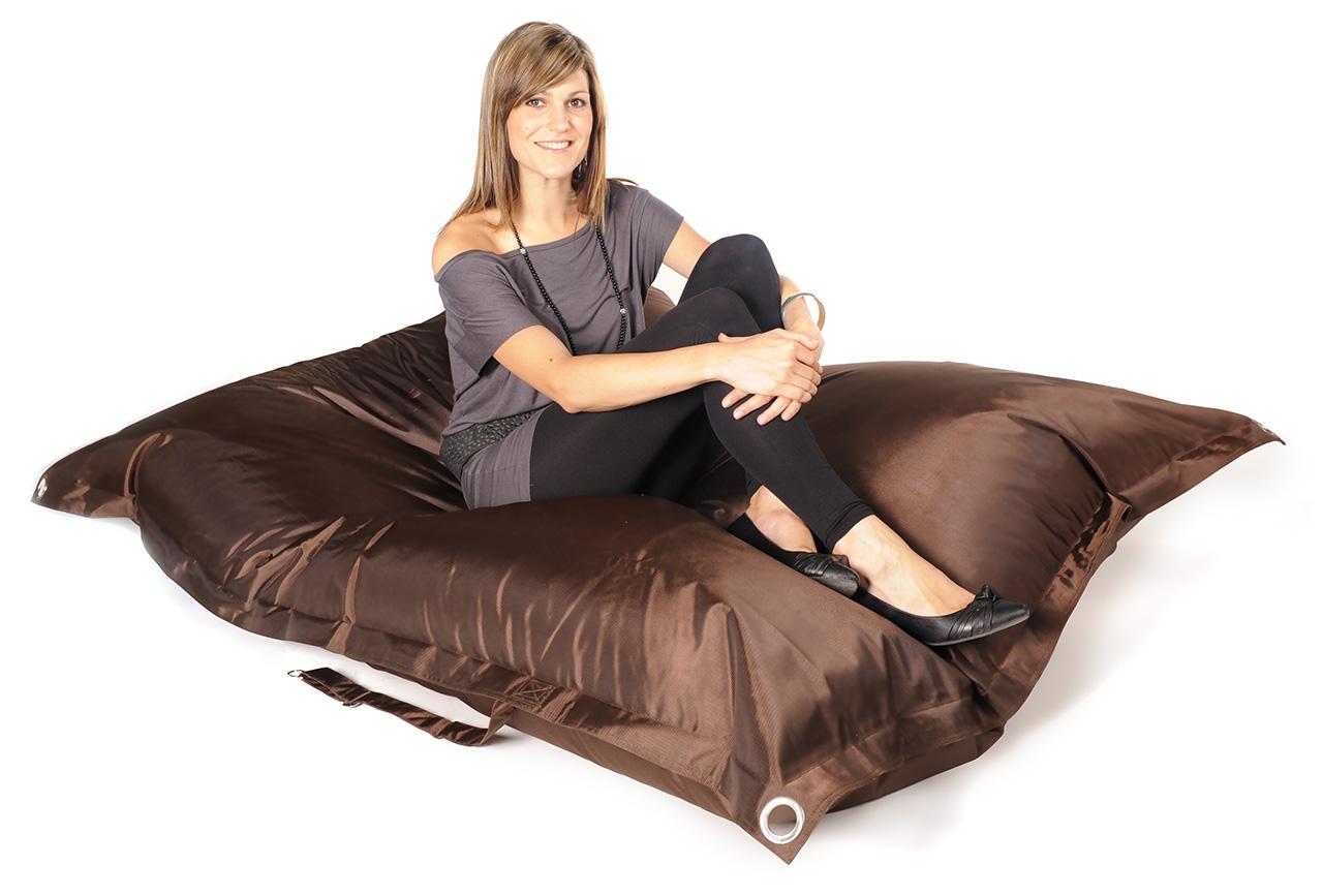 pouf geant exterieur interesting pouf geant exterieur impermeable poufs s d ext sol pas with. Black Bedroom Furniture Sets. Home Design Ideas