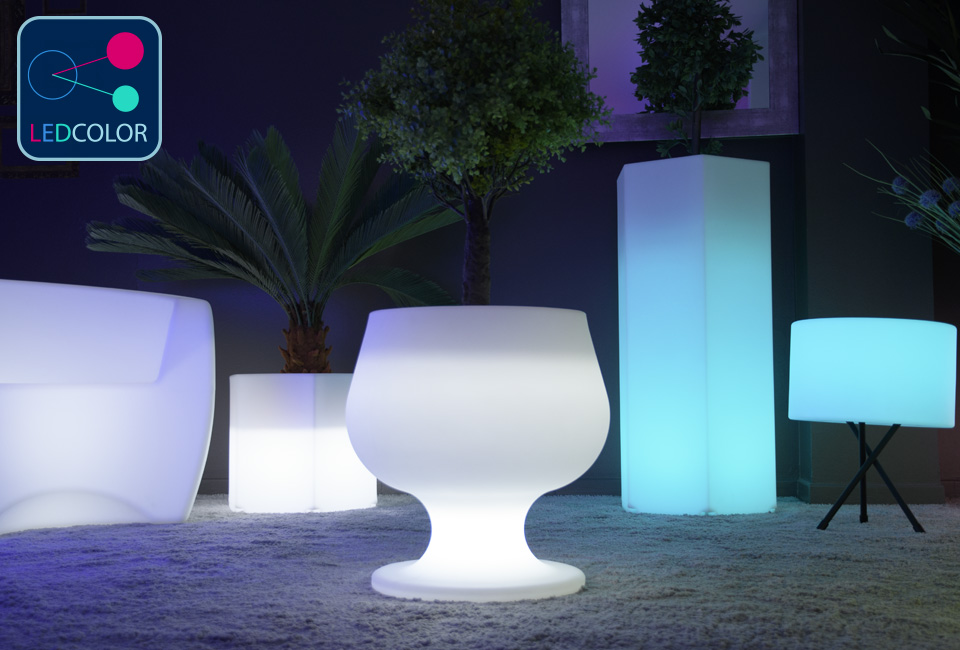 pot de fleurs lumineux solaire led multicolore sans fil cup 50. Black Bedroom Furniture Sets. Home Design Ideas