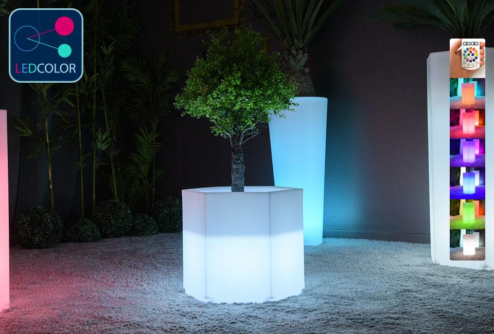 Pot de fleurs lumineux solaire led multicolore exagone s 30 for Vase solaire exterieur