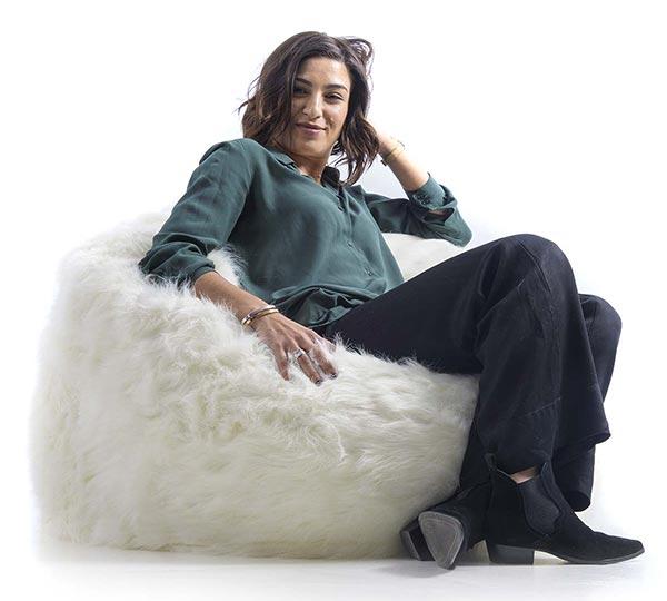 la otomana del sillón de piel blanca TiTAN S es extraíble