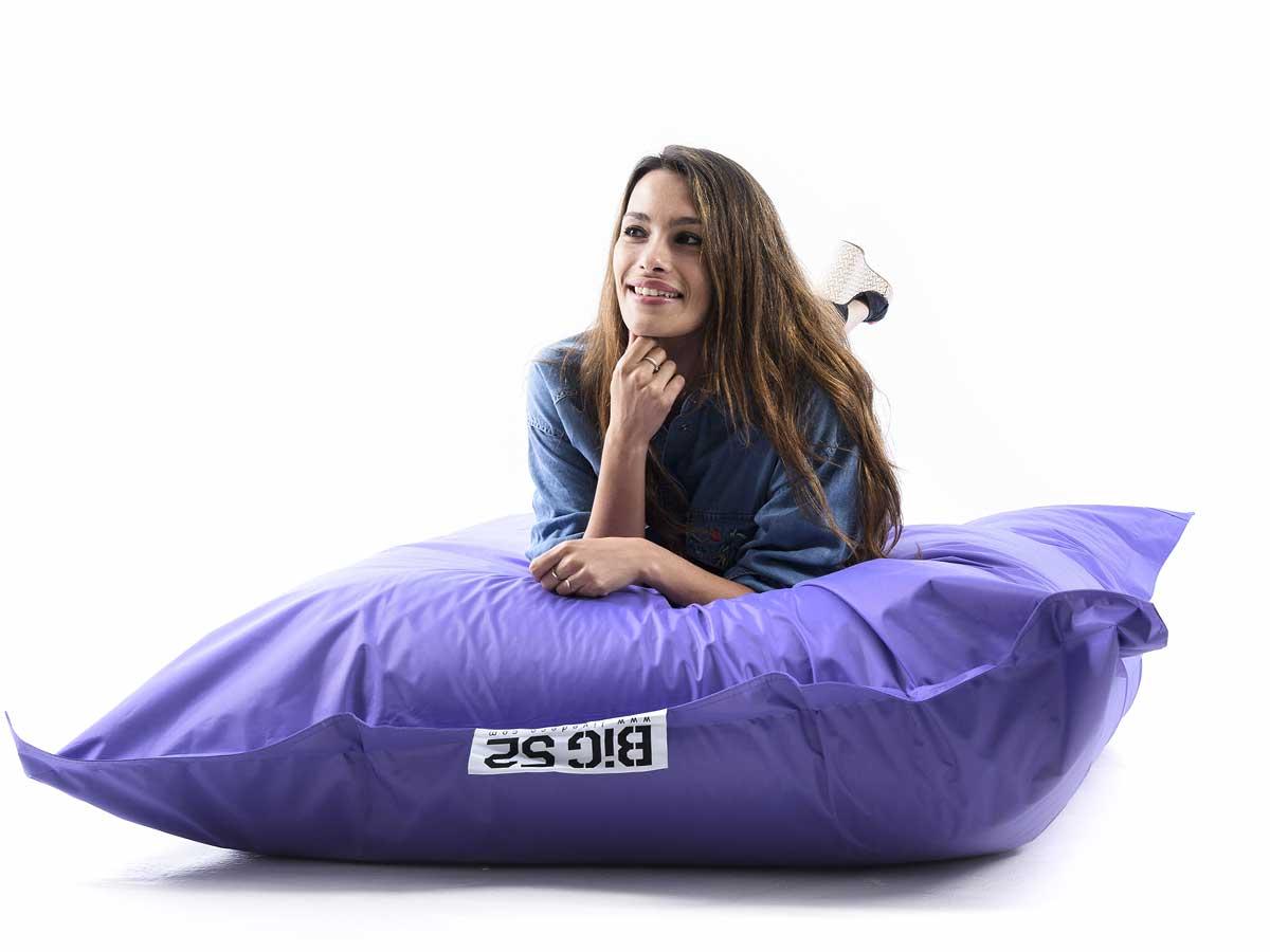 puf gigante de exterior violeta BiG52 CLASSIC