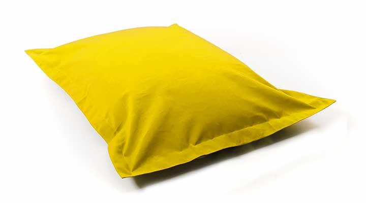 pouf geant jaune en voile de bateau