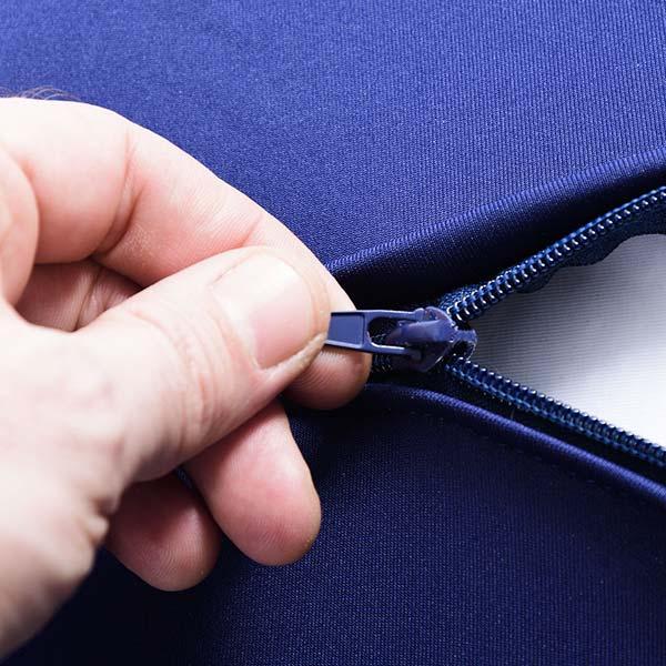 Pouf gigante blu navy, flessibile in tessuto elasticizzato ultra flessibile, forma a scatola
